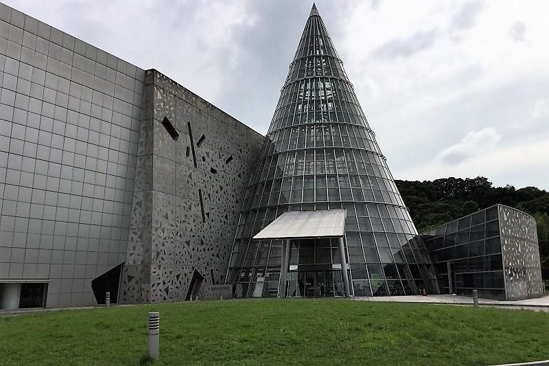 愛媛県立総合科学博物館のエントランス